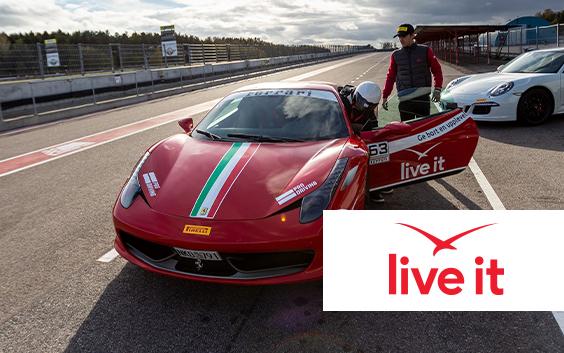 Åk Ferrari/Lamborghini Presentkort